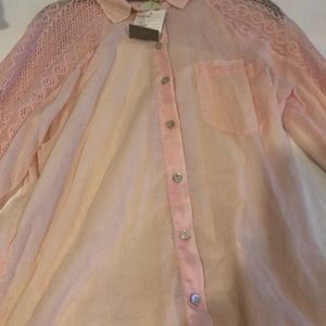 HOLDING HORSES Tops - Beautiful, soft pink button-down tunic